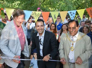 Stephen Fry, Cllr Bassam Mahfouz and Ealing Mayor Cllr Tej Bagha opening the new Meerkat and Porcupine enclosure in Brent Lodge Park