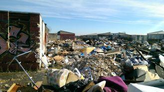 160 tonnes of waste dumped at Warren Farm