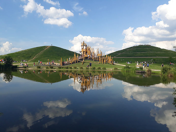 web-malgorzata-sikora-northala-fields-lakes-mounds-and-play-area-370x280402x